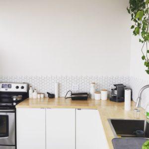 キッチンや洗面の収納には開き扉?それとも引き出し?